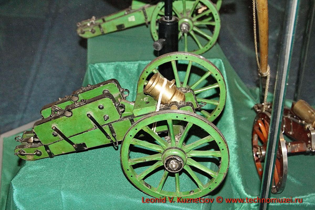 Модель гладкоствольной пушки в Артиллерийском музее