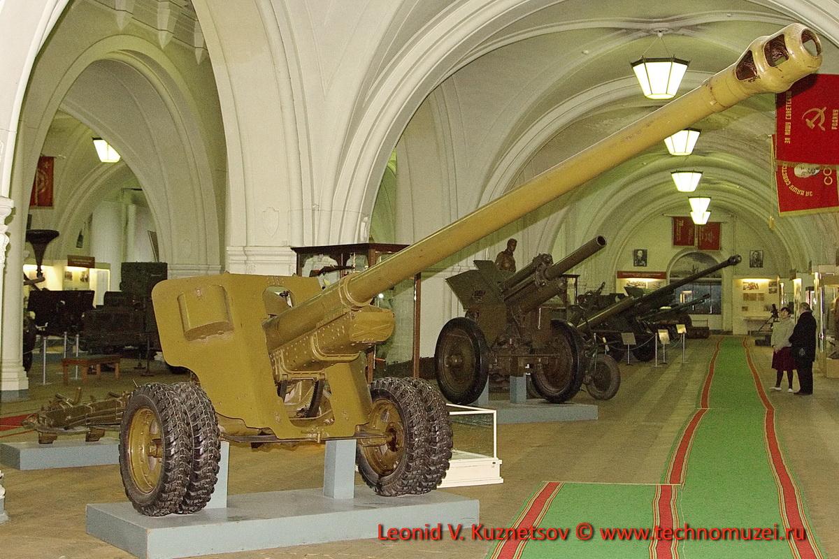 100-мм полевая пушка БС-3 №7103 изготовленная на средства пионера Толи Андриевского в Артиллерийском музее