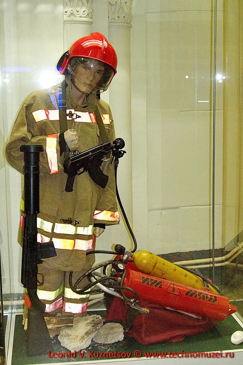 Импульсные огнетушители на основе АКМ-47 и карабина Сайга в Артиллерийском музее