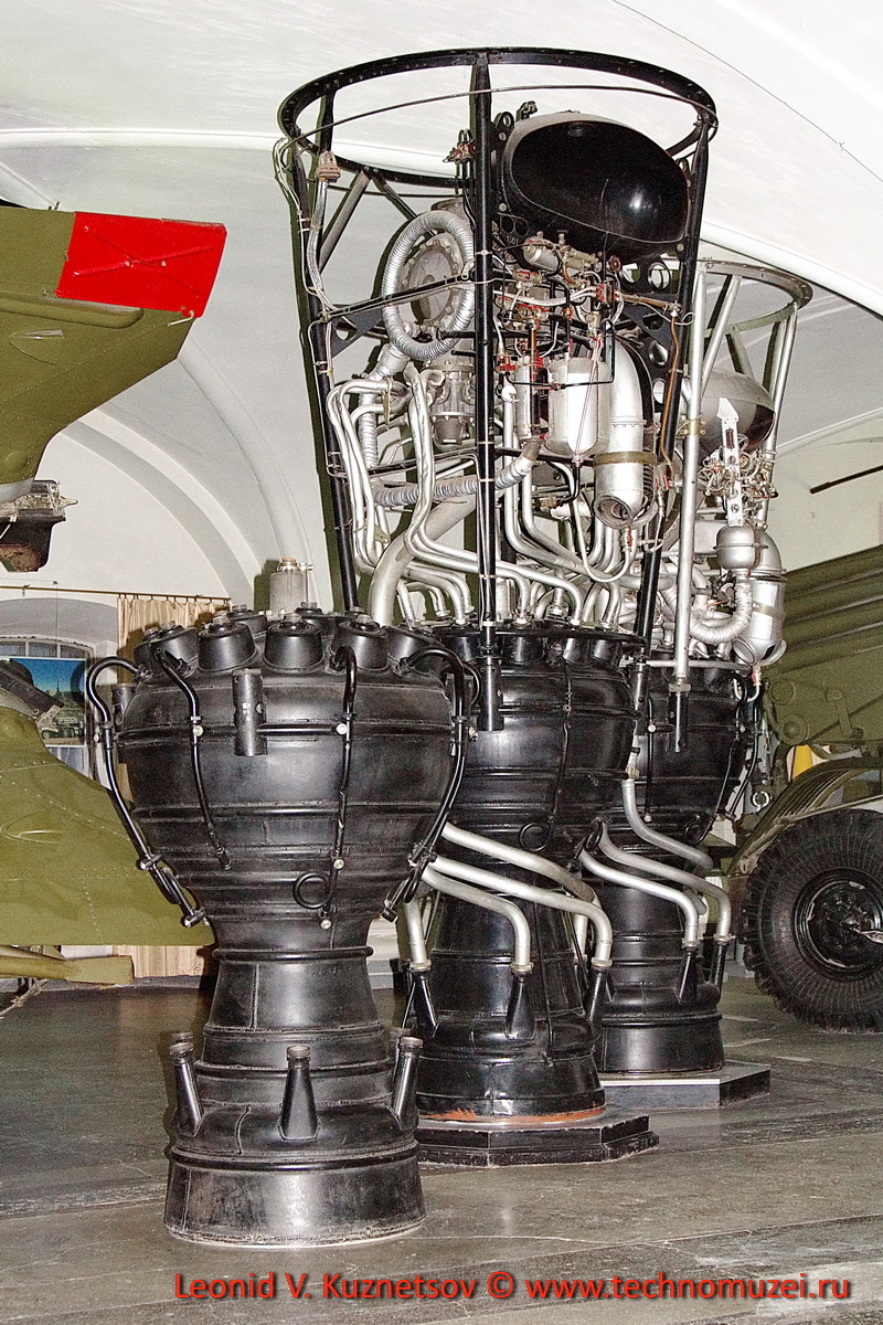 Жидкостные ракетные двигатели первых советских баллистических ракет в Артиллерийском музее