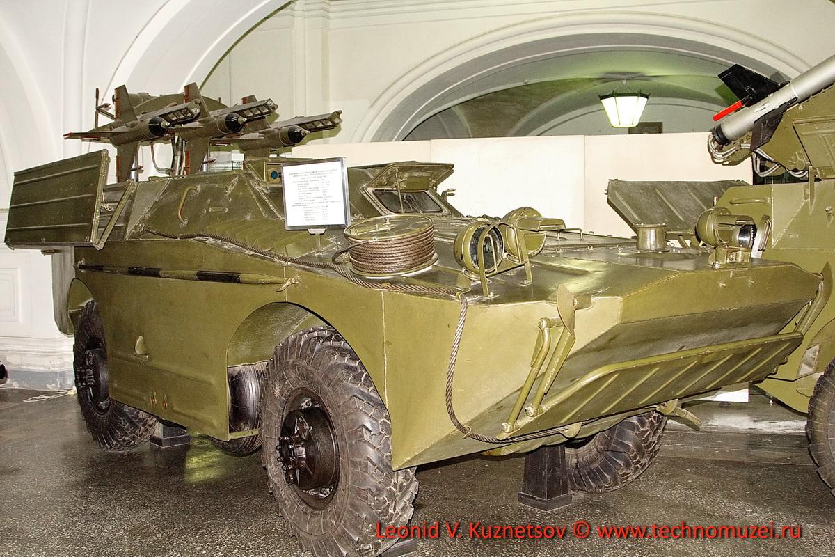 Машина 2П27 с тремя ракетами 3М66 комплекса 2К16 Шмель в Артиллерийском музее