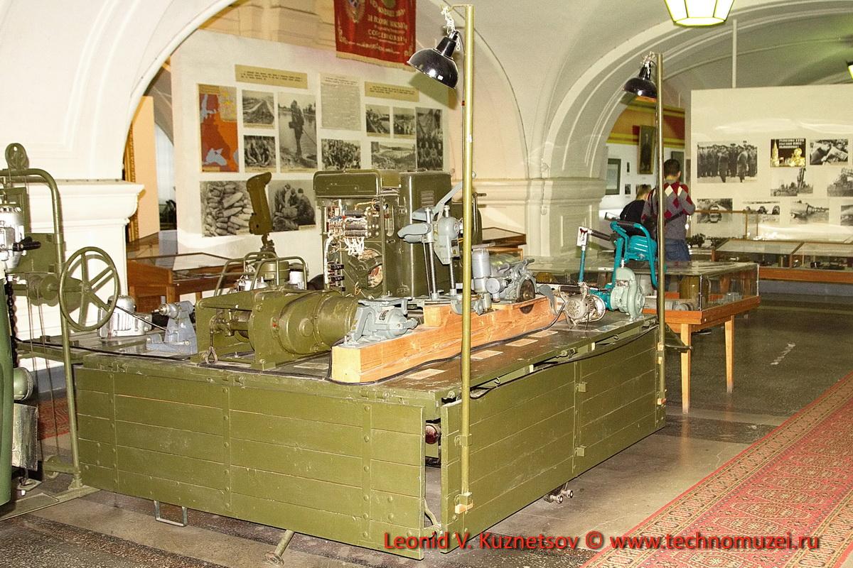 Комплект оборудования полевой мастерской на одноосном прицепе в Артиллерийском музее