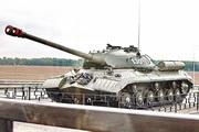 танк ИС-3 на трассе М-1 в Кубинке