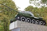 Мемориал освободителям Калуги памятник танк Т-34-85