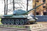 Памятник танку Т-34-85 в Костроме