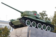 Памятник танку Т-34-85 в сквере танкистов в Орле