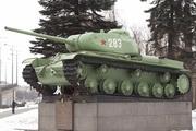 Памятник танку-победителю КВ-85 в Санкт-Петербурге