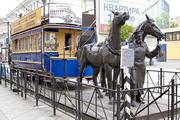 Памятник конке в Санкт-Петербурге