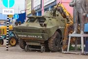 Арт-объект БРДМ-2 у рынка в Орехово-Зуево