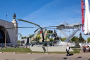 памятник вертолету Ми-8Т на ВДНХ