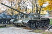 танк Т-54 у музея боевой Славы в Ярославле