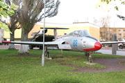 памятник самолету Aero L-29 Дельфин в Ярославле