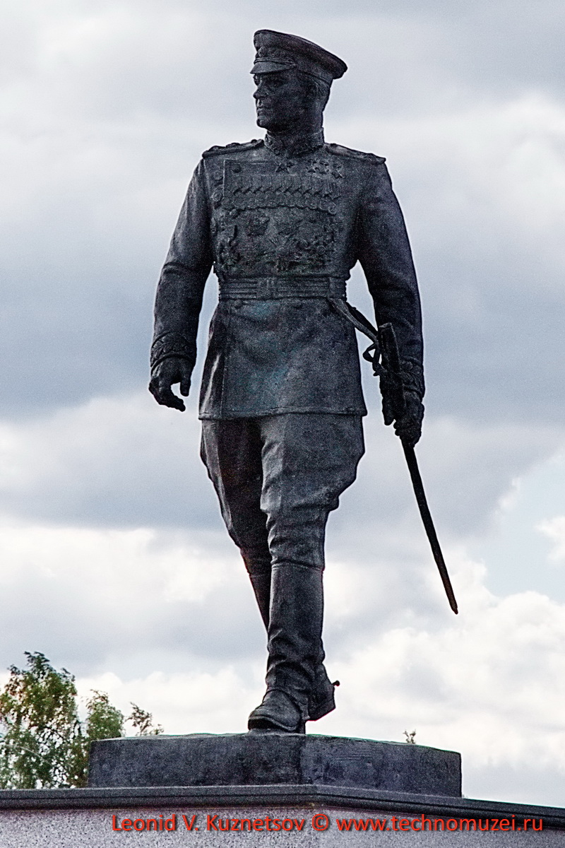 Памятник маршалу Жукову в Парке Патриот