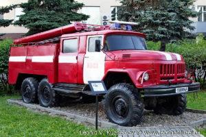 Пожарная цистерна АЦ-40(131) модель 137А в музее пожарной техники в Иваново