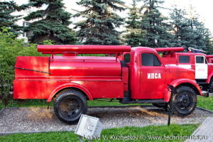 Пожарная цистерна АЦУ-20(51) модель 60 в музее пожарной техники в Иваново