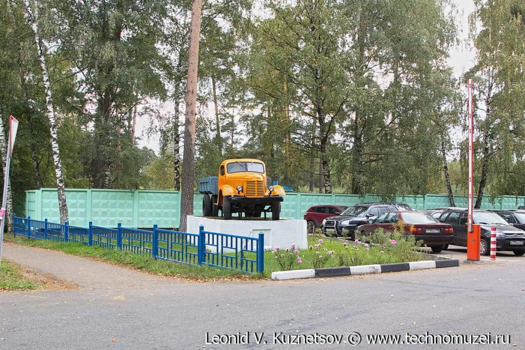 Грузовик ЗиС-150 памятник в Ивантеевке