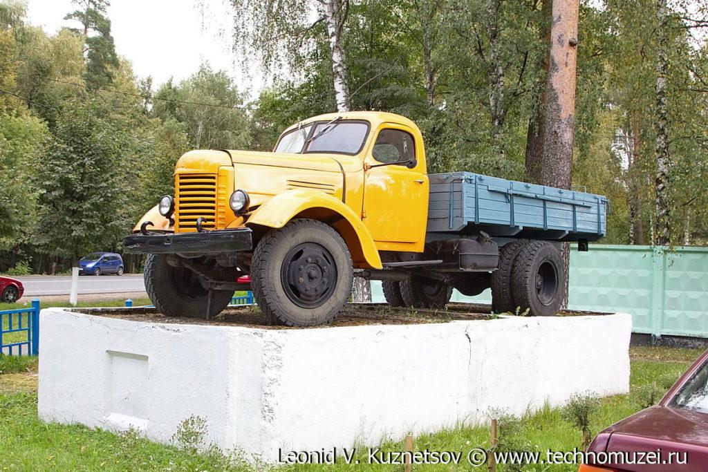 Памятник ЗиС-150 в Ивантеевке