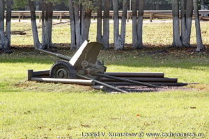 45-мм противотанковая пушка 53-К (52П-243-ПП1) образца 1937 года на мемориале танкистам на трассе М2 у города Орел