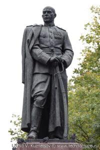 Памятник генералу Гуртьеву в Орле
