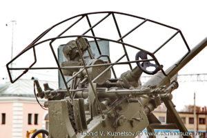 Памятник защитникам Ярославского неба 37-мм пушка образца 1939 года