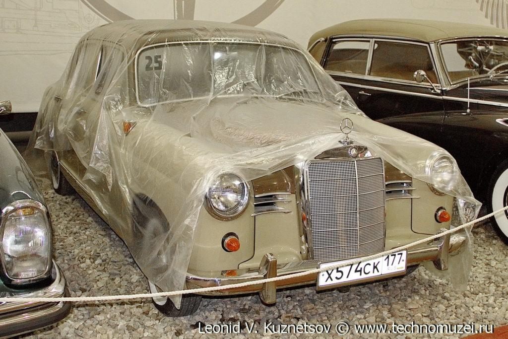 Mercedes-Benz 190 в музее Московский транспорт