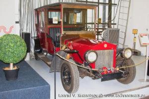 Реплика автомобиля Руссо-Балт в музее Московский транспорт