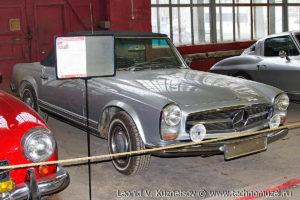 Купе Mercedes-Benz 280SL в музее Московский транспорт