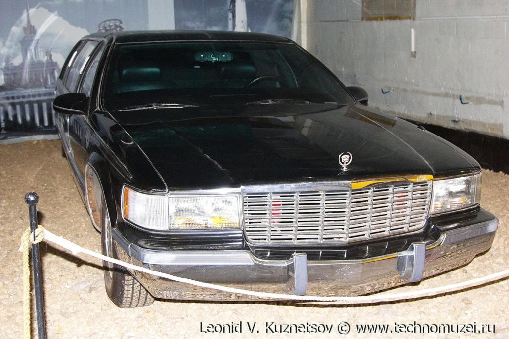 Cadillac Fleetwood Brougham 1994 года в музее Московский транспорт