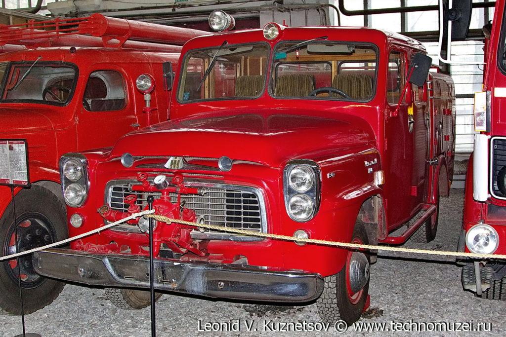 Пожарный автомобиль International Harvester в музее Московский транспорт