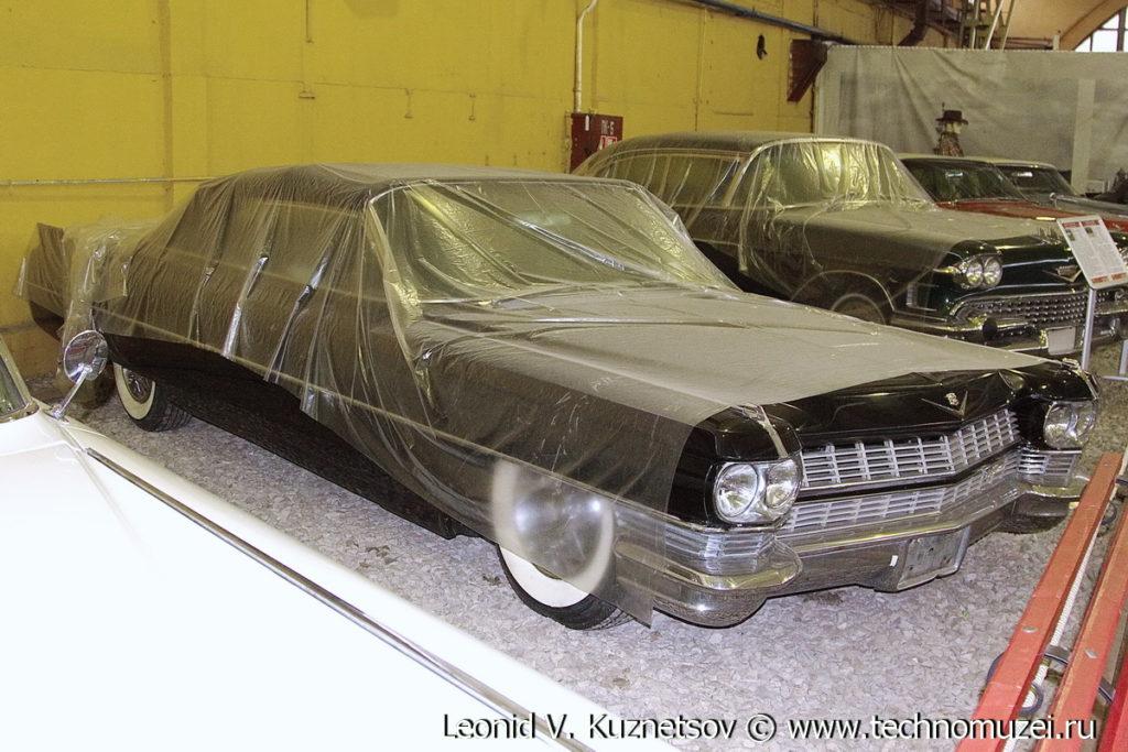 Кабриолет Cadillac Series 6200 1964 года в музее Московский транспорт