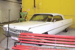 Купе Cadillac Coupe de Ville 1968 года в музее Московский транспорт