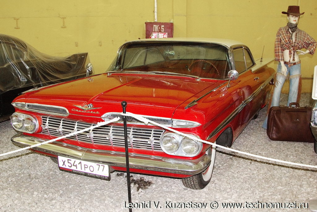 Хардтоп Chevrolet Impala 1959 года в музее Московский транспорт