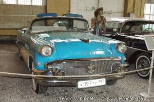 Кабриолет Buick Special Riviera 1956 года в музее Московский транспорт