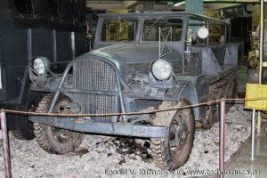 Полугусеничный тягач Volvo HBT на выставке Моторы войны на Поклонной горе