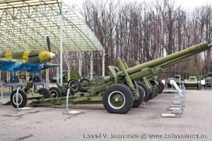 Гаубица-пушка МЛ-20 с передком в Музее на Поклонной горе