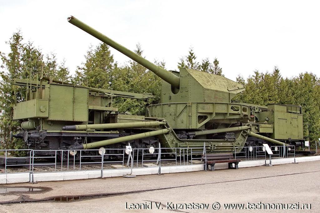 Артиллерийский транспортер ТМ-1-180 в Музее на Поклонной горе