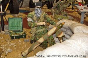 """Миномет захваченный у террористов на выставке """"Операция в Сирии"""" в парке Патриот"""