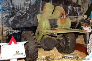 """Кустарный двуствольный миномет захваченный у террористов на выставке """"Операция в Сирии"""" в парке Патриот"""