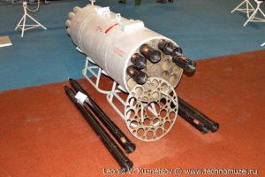 """Блок Б-8В20 для неуправляемых реактивных снарядов Р-8 на выставке """"Операция в Сирии"""" в парке Патриот"""