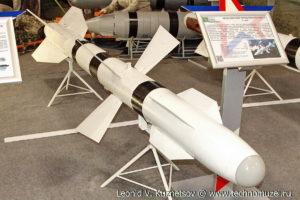 """Авиационная управляемая ракета Р-27Р на выставке """"Операция в Сирии"""" в парке Патриот"""