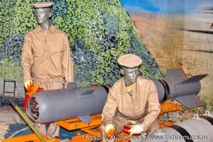 """Корректируемая фугасная бомба КАБ-500КР на выставке """"Операция в Сирии"""" в парке Патриот"""