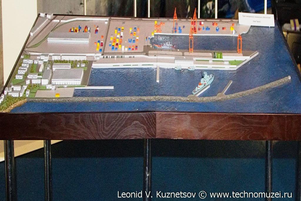 """Макет порта Тартус на выставке """"Операция в Сирии"""" в парке Патриот"""