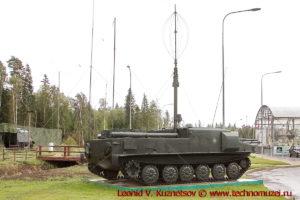 Командно-штабная машина БТР-50ПУМ в парке Патриот