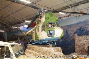 Многоцелевой вертолет Ми-2 в парке Патриот