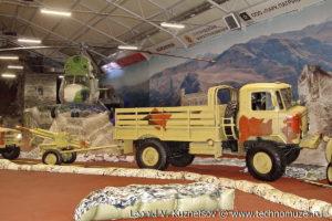 Армейский грузовик ГАЗ-66 в парке Патриот