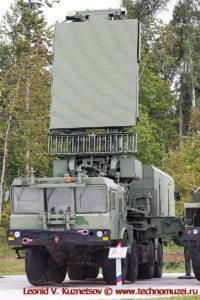 Всевысотный обнаружитель целей 96Л6Е в парке Патриот