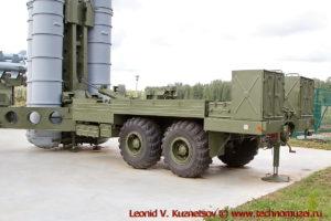 Пусковая установка 5П851А комплекса С-300ПТ в парке Патриот