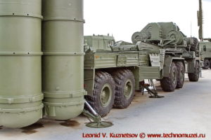 Пусковая установка 5П85ТМ2 комплекса С-400 Триумф в парке Патриот