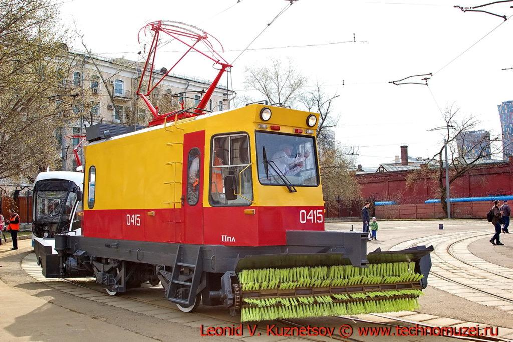 Трамвай снегоочиститель ВТК-1 на параде трамваев в Москве