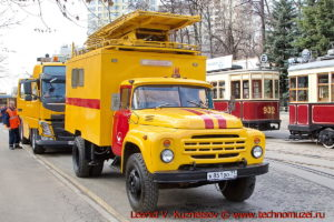ЗиЛ-130 вышка для ремонта контактной сети на параде трамваев в Москве
